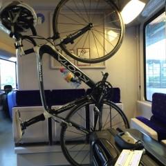 フランスの電車は自転車吊るせるよ