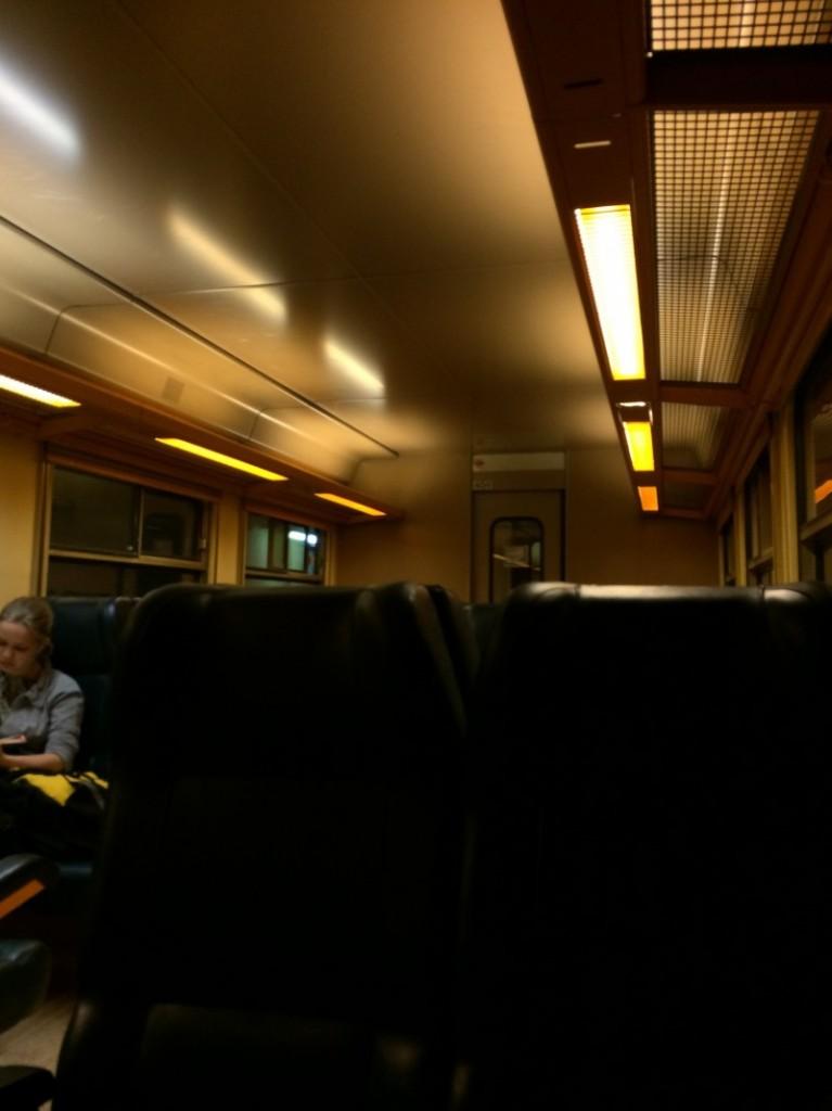アントワープからゲントに行こうとしたら直通電車が止まってた