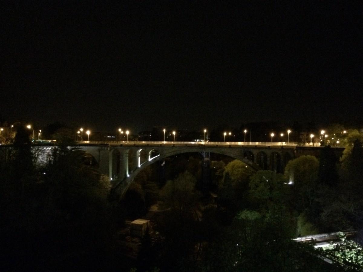 アドルフ橋の夜景