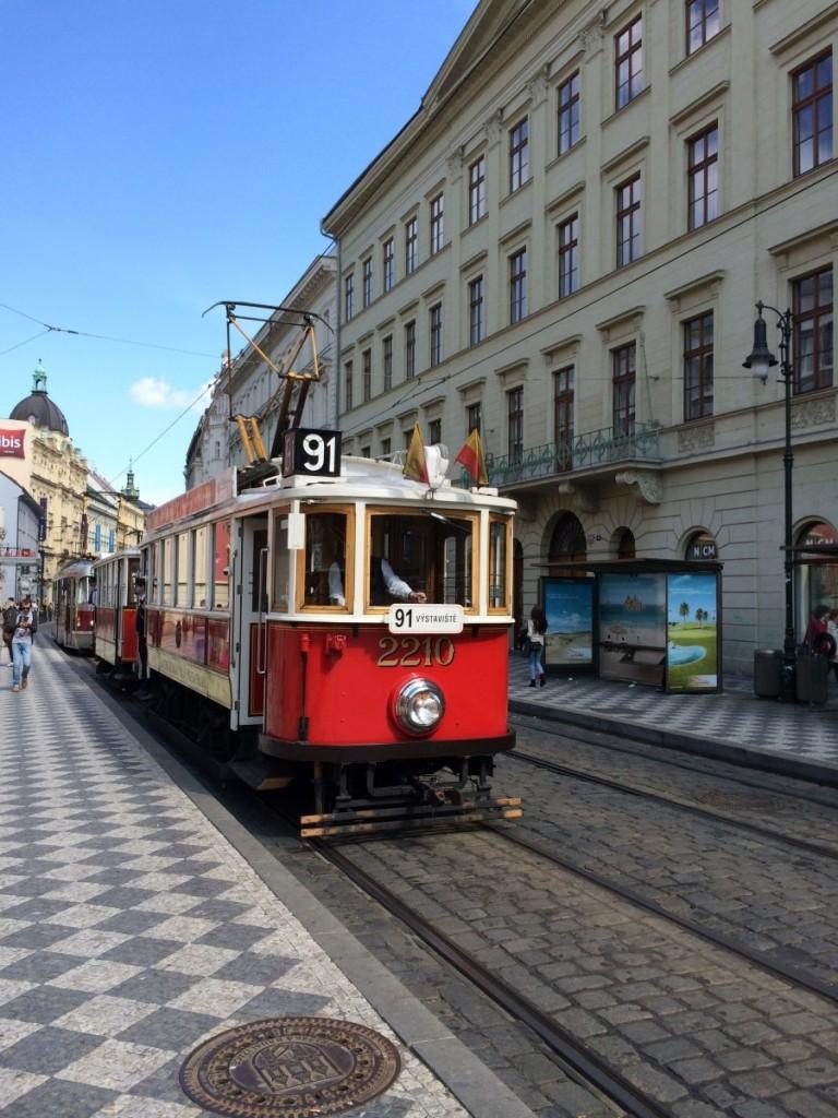 プラハの地下鉄とトラム