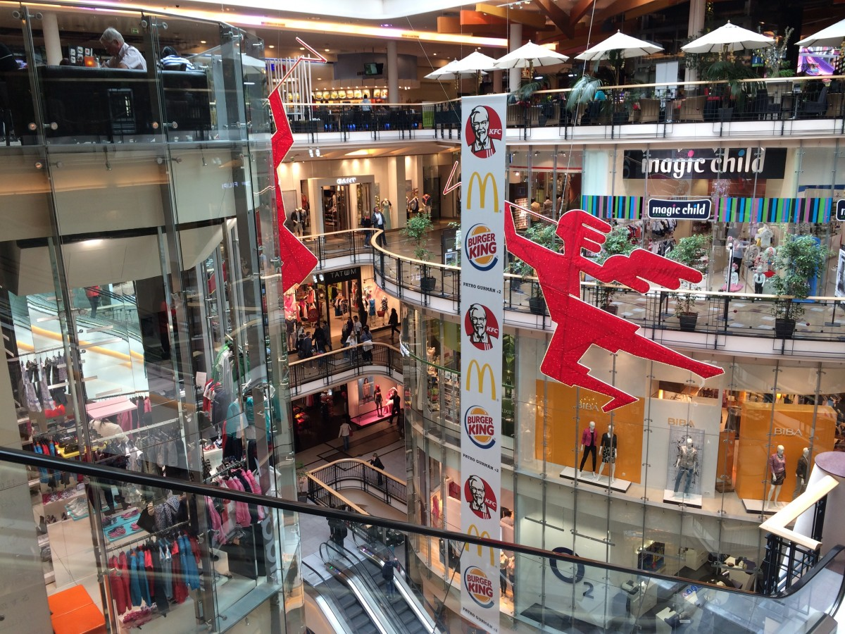 プラハのスーパーとショッピングモールと物価