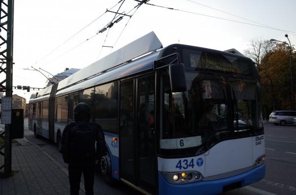 GR011735
