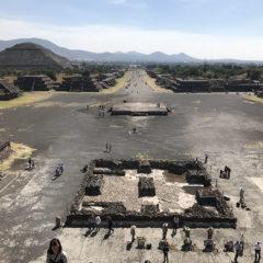メキシコシティーのテオティワカン遺跡